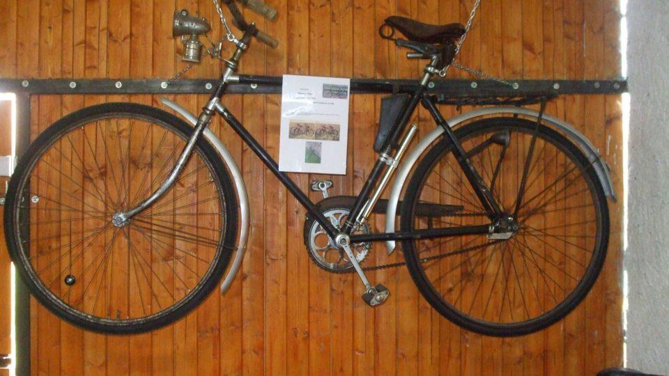 Simsonovi od roku 1896 začali vyrábět jízdní kola
