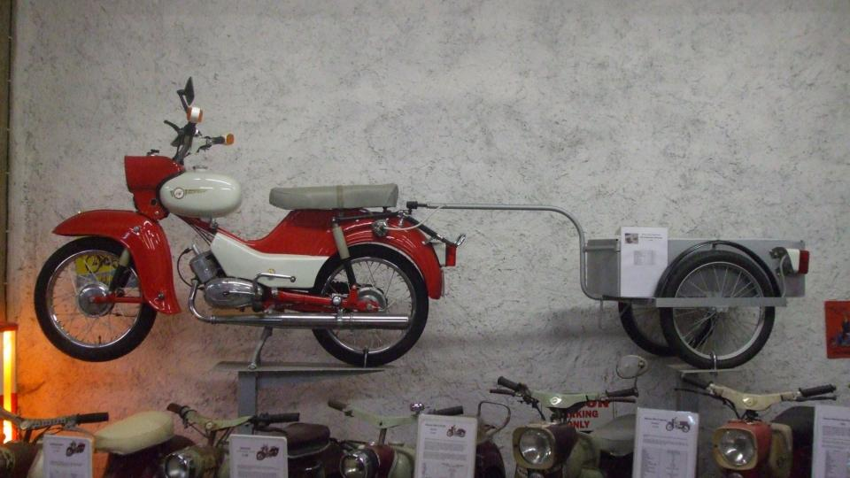 Simson s vozíkem