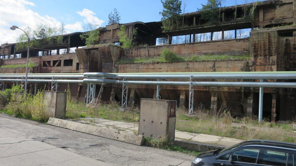 Některé budovy jsou z tak kvalitního betonu, že je lze obtížně demolovat