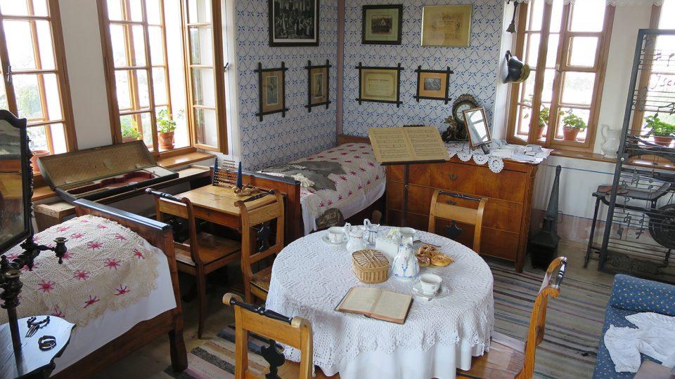 Obytná místnost, ve které bydlela pětičlenná rodina Martinů, neměla ani 20 metrů čtverečných
