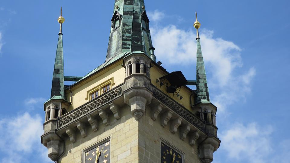 Věž kostela sv. Jakuba v Poličce s rodnou světničkou Bohuslava Martinů