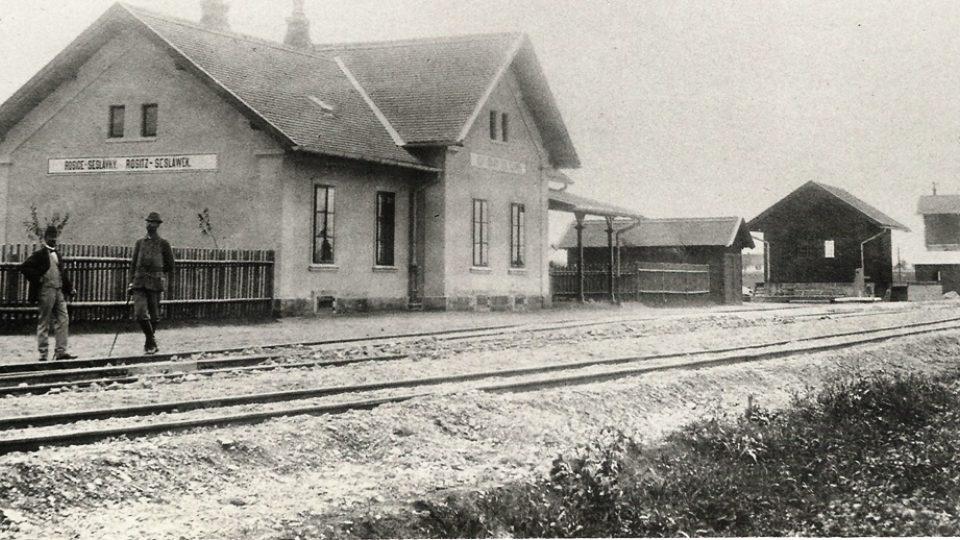 Budova starého nádraží Rosice Seslávky