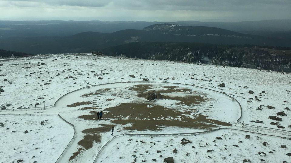 na vrcholu hory Brocken se podle legend odpradávna slétaly čarodějnice
