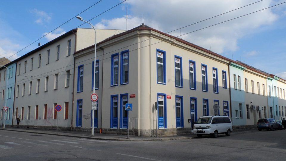 Bývalá Täublova továrna na lišty a rámy v Českých Budějovicích, kde byli Židé shromažďováni před odjezdem transportu Akb