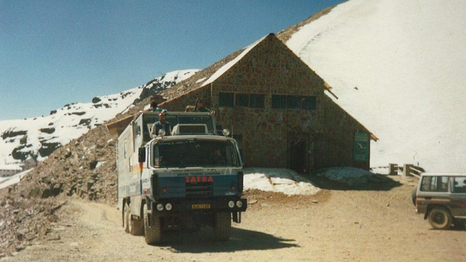 Tatra 815 GTC na vrcholu bolívijské Chacaltayi