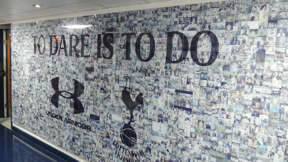 "Motto Tottenhamu: ""To dare is to do"""