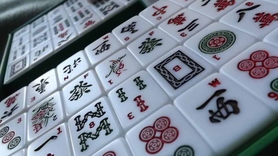 Kameny ke hře madžong (mahjong)