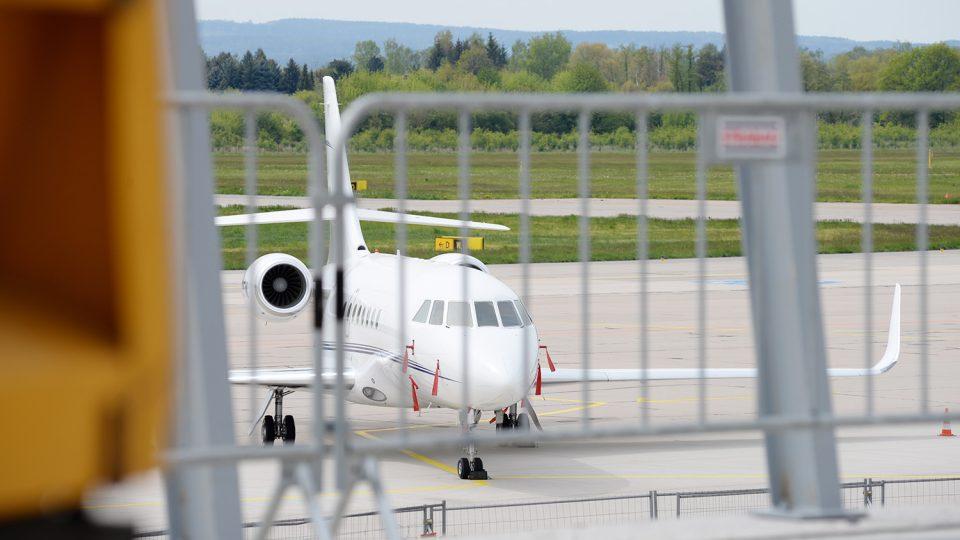 Na stojánce pardubického letiště brzy začnou nabírat cestující letadla Ryanair
