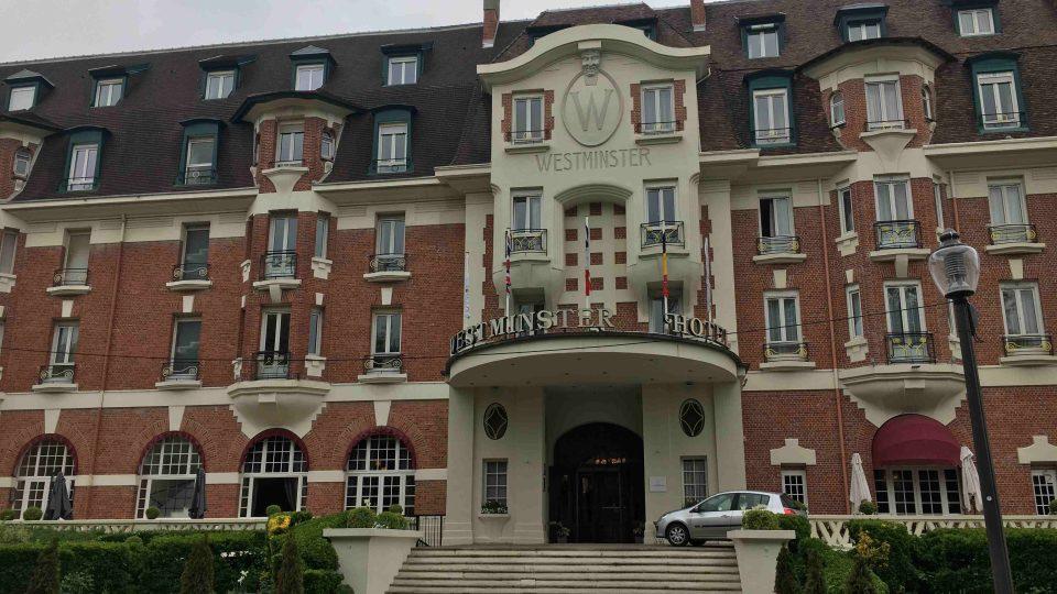 V hotelu Westminster se Emmanuel Macron v roce 2007 oženil