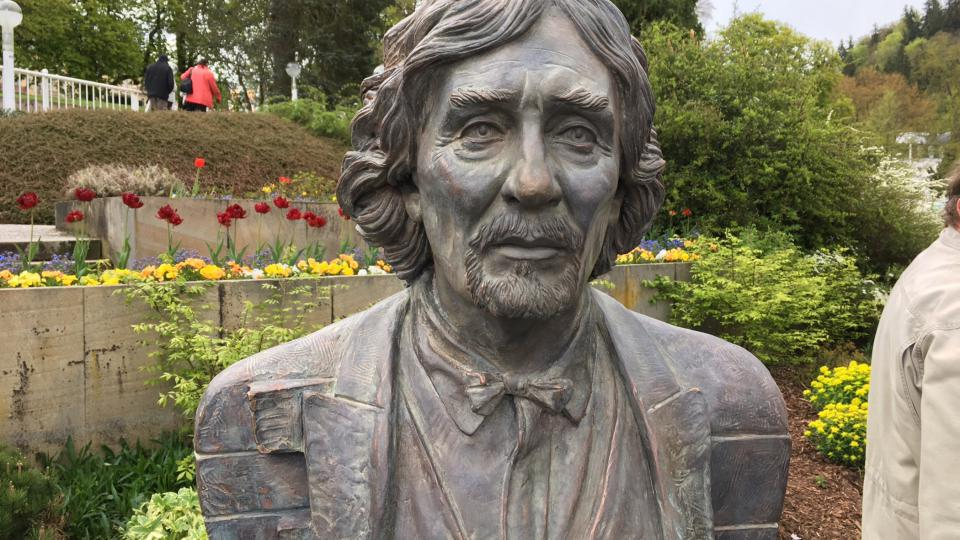 Busta Petra Hapky