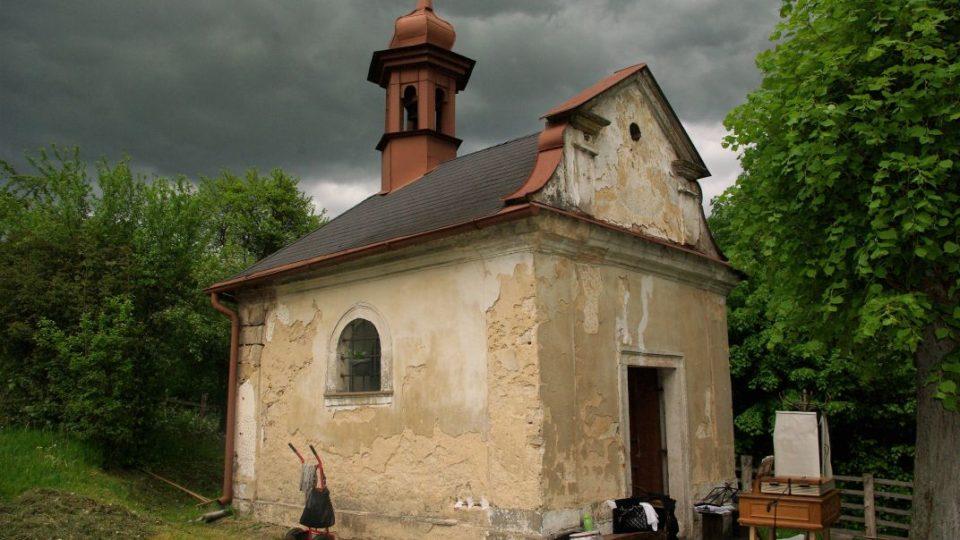 Slavnost k 290. výročí Kaple sv. Isidora na Vinici v obci Brada letos skončila bez deště