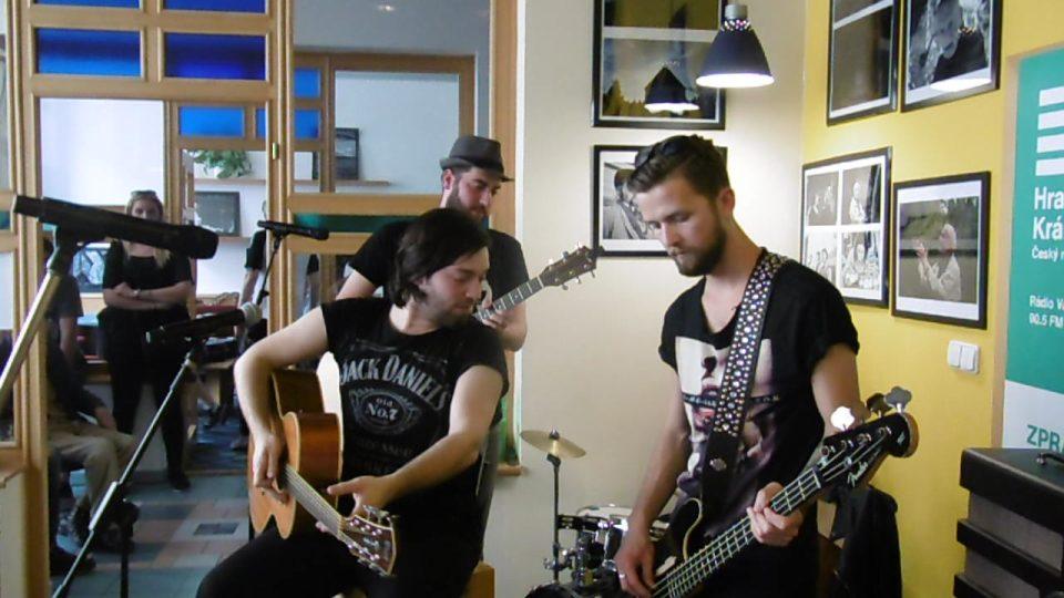Kapela Imodium v radioklubu Českého rozhlasu Hradec Králové