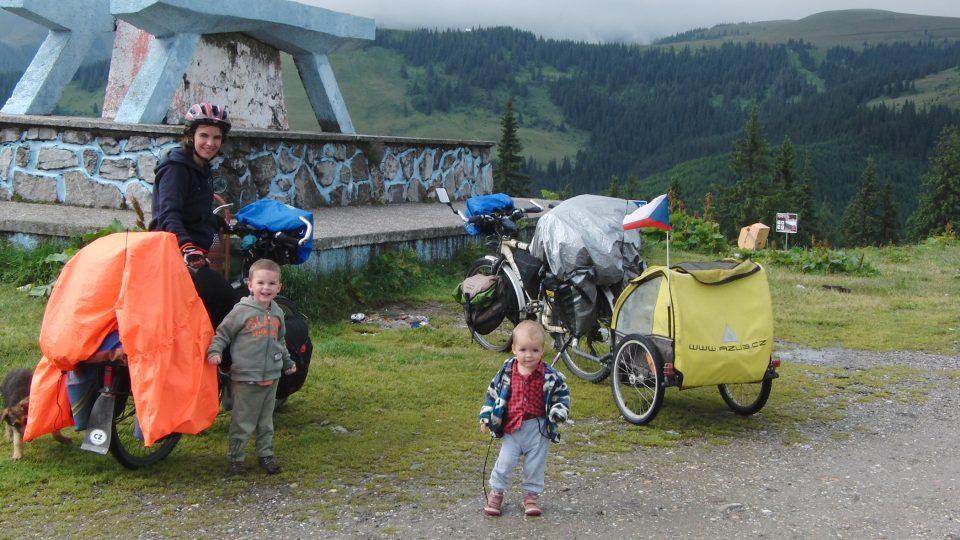 Rodina Zigáčkových cestuje na kole po Evropě (Rumunsko)