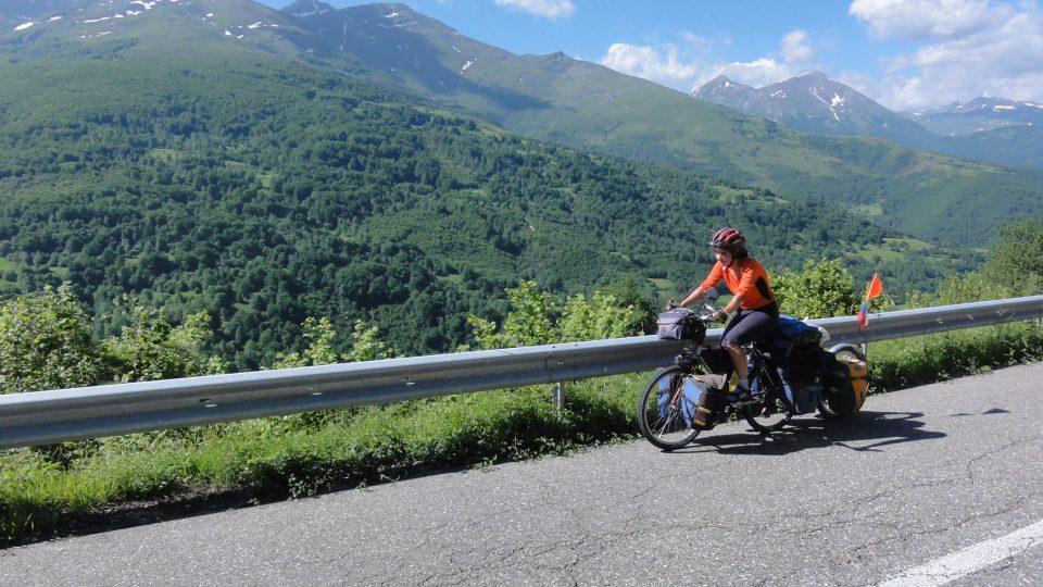 Rodina Zigáčkových cestuje na kole po Evropě (Kosovo)