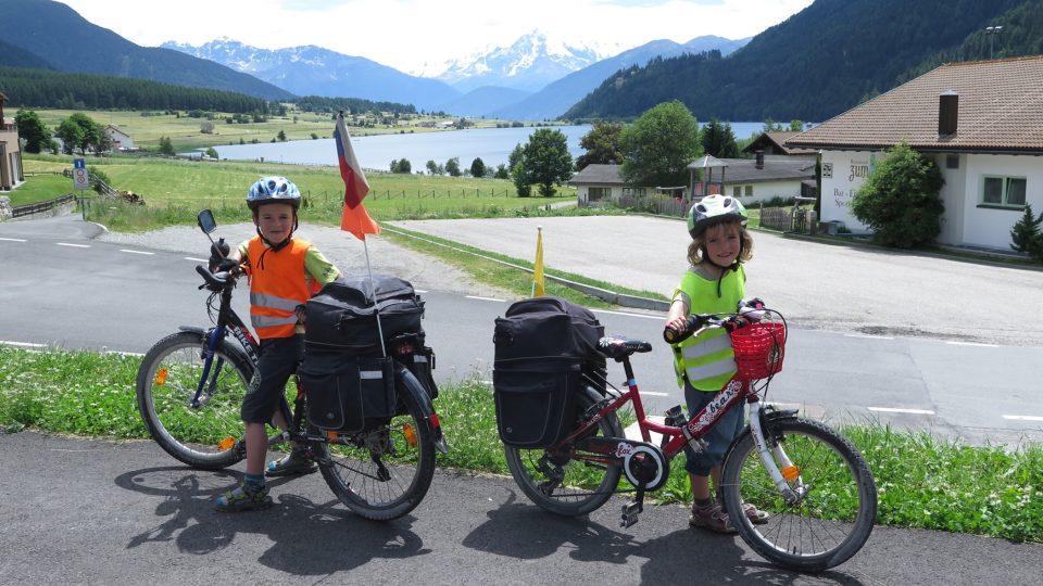 Rodina Zigáčkových cestuje na kole po Evropě (do Benátek)