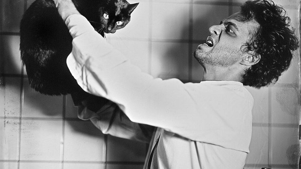 Honza Sakař nafotil pro Jihočeské divadlo snímky k jednotlivým inscenacím sezóny 2017/18. Fotografie k představení Černý kocour