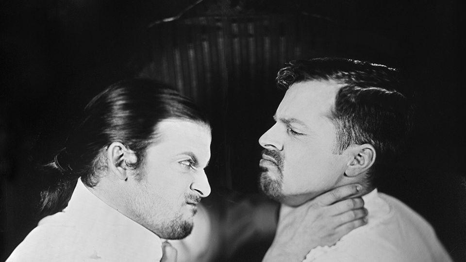 Honza Sakař nafotil pro Jihočeské divadlo snímky k jednotlivým inscenacím sezóny 2017/18. Fotografie k představení Don G