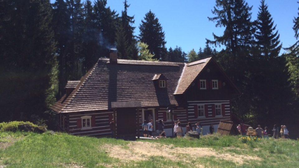Tento víkend se otevřel sklářský památník v Liščí boudě v Jizerských horách