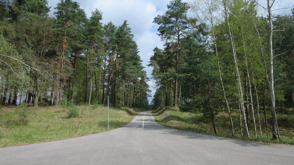 In-line park Vrchbělá není pouze pro vyznavače jízdy na bruslích. Dráhy dlouhé téměř osm kilometrů si užijí i cyklisté