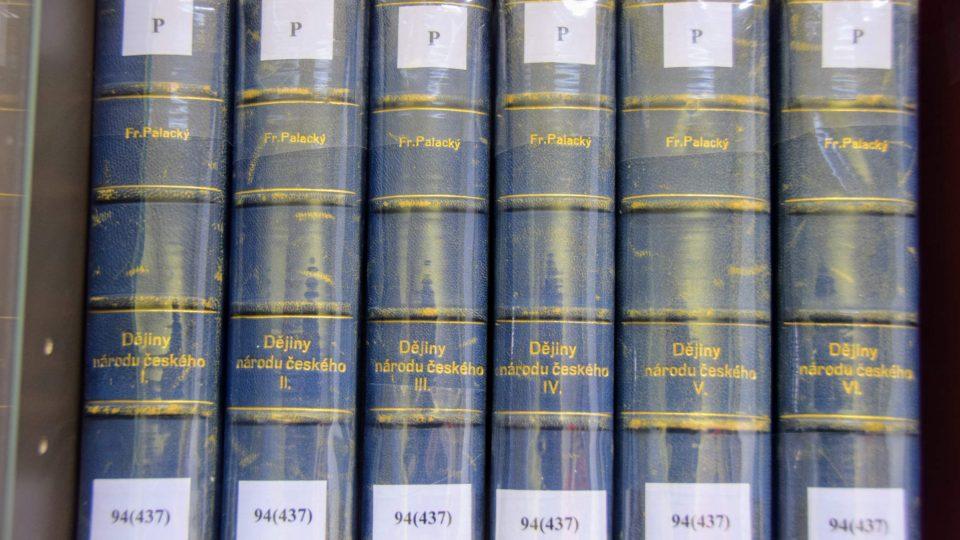 Jedno z vydání Dějin národu českého v Čechách i v Moravě