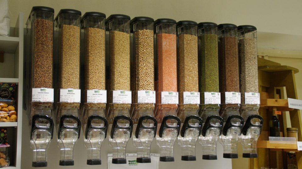 Bioprodukty se dnes nabízejí také bez obalů, které rovněž zatěžují životní prostředí