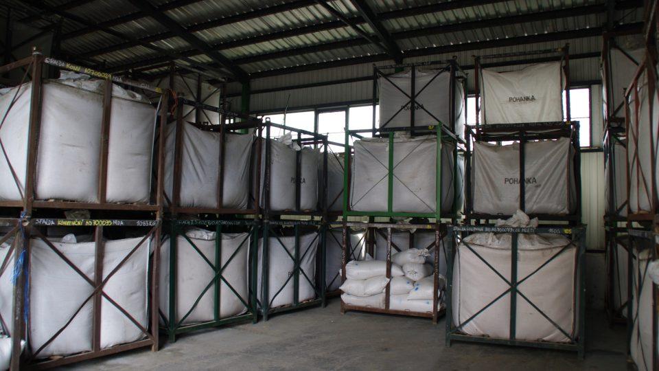 Ve skladu jsou k dispozici také větší nebo i hodně velká balení.jpg