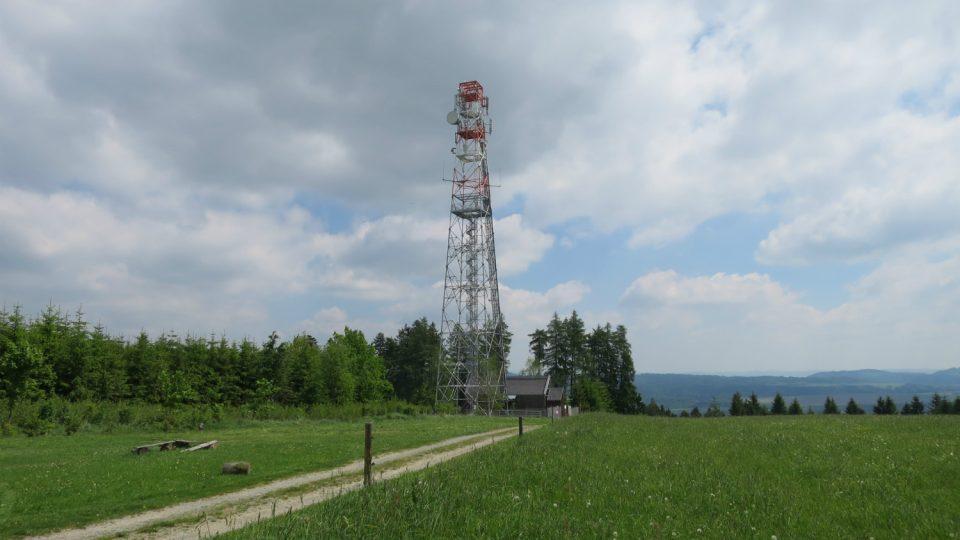 V pořadí třetí rozhledna na Kozlovském kopci vznikla v roce 2001