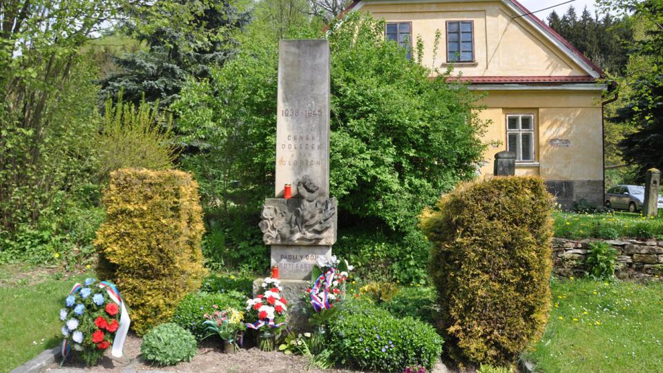 Hájovna Na Luhu, kde před válkou Dolečkovi bydleli