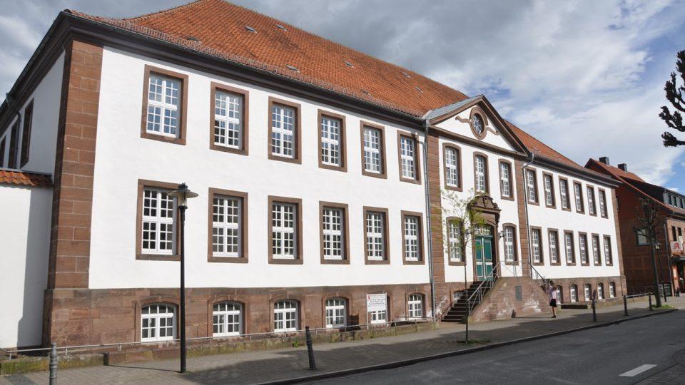 Hlavní budova někdejšího nacistického tábora pro dospívající chlapce v Moringenu