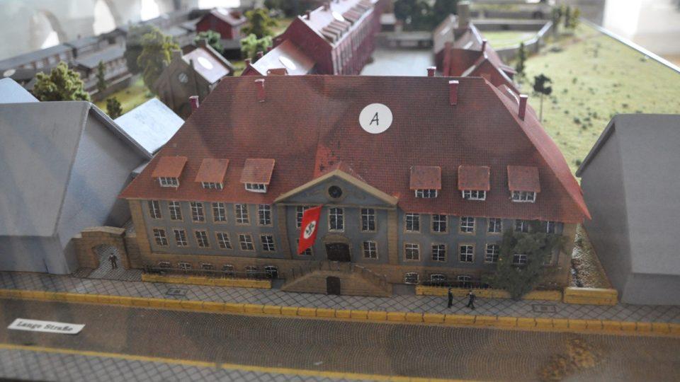 Model tábora v moringenu