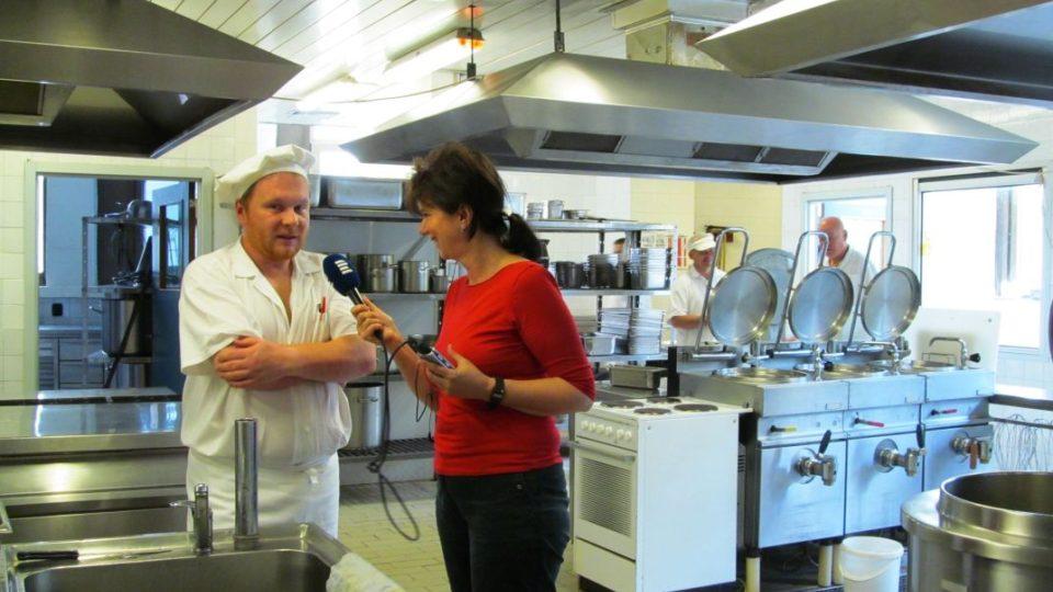Vaříme s Habadějem a Zdena Kabourková v kuchyni Lázní v Janských Lázních