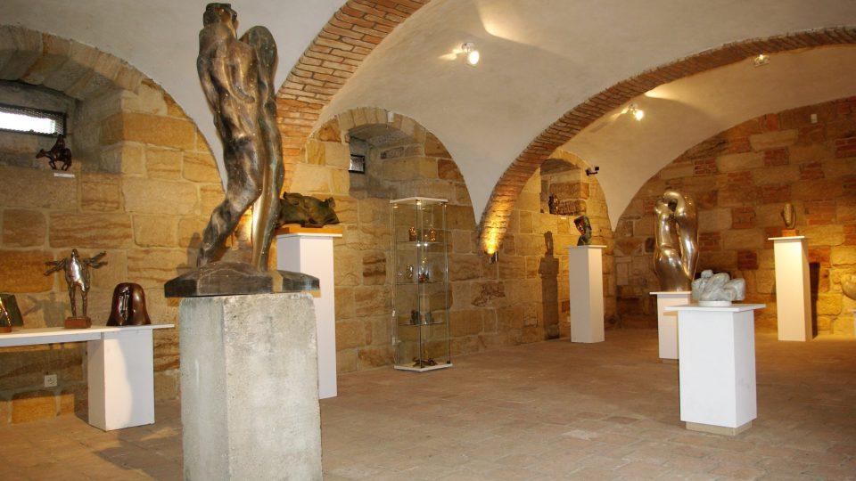 Lapidárium u Šolcova statku, aktuálně s expozicí soch a sousoší akademického sochaře Jaroslava Vacka