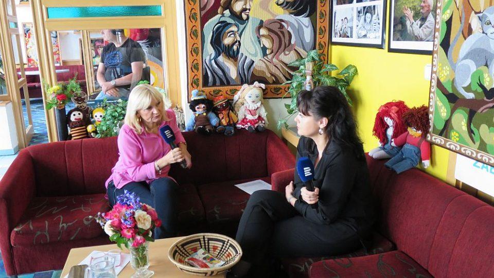Ing, Pavle Gomba, výkonná ředitelka UNICEF v České republice, hostem v radioklubu Českého rozhlasu Hradec Králové