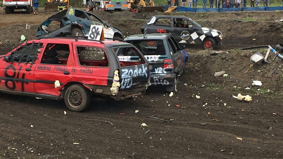 Destruction derby v Sosnové