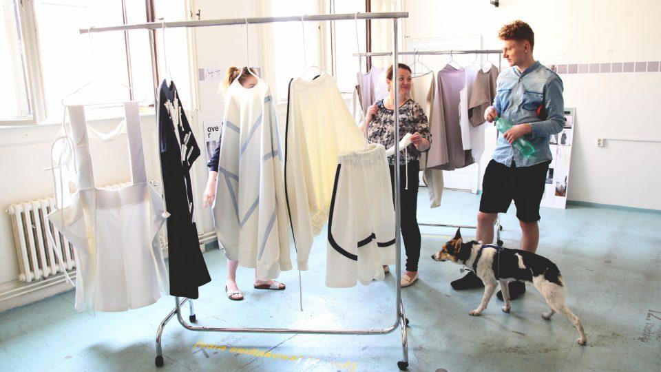 Hrábě z design shopu a šaty z filmu: móda a design z Artsemestru UMPRUM