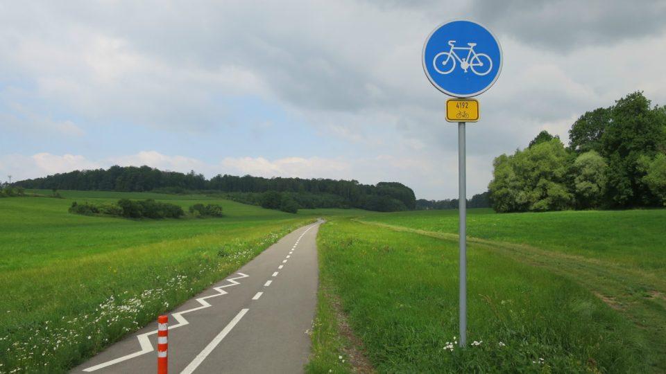 Část cyklostezky z Tržku směrem k osadě V Lukách