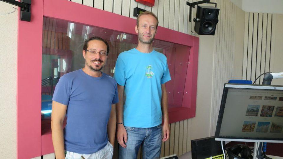 Miloň Kašpar, procestoval svět za dva roky, ve studiu Českého rozhlasu Hradec Králové spolu s Jakubem Schmidtem