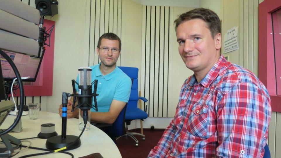Radek Drahný a Zdeněk Pop ve studiu Českého rozhlasu Hradec Králové