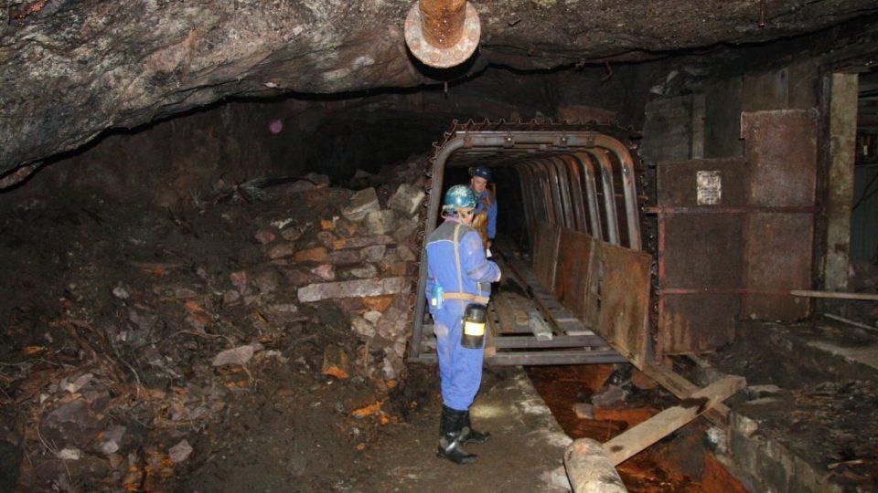 Důl Zdeněk Nejedlý na Trutnovsku je už téměř 30 let zavřený. Stále z něj ale vytéká nebezpečná železitá voda