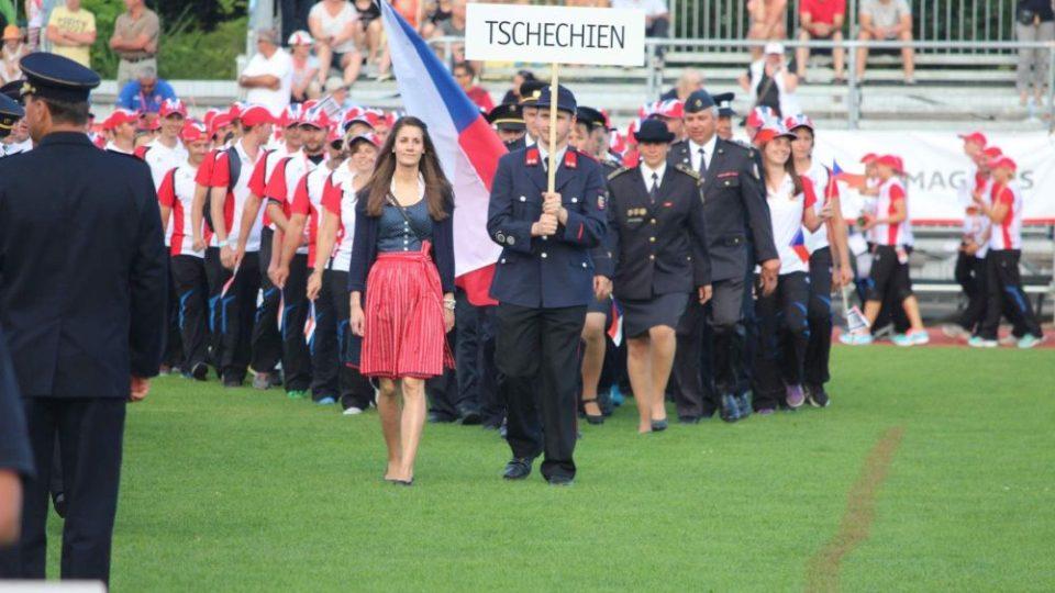 Nástup české výpravy na zahájení olympiády