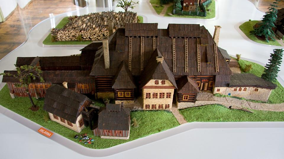 Model sklárny