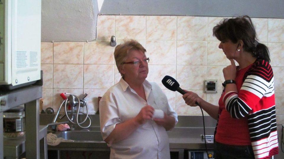 S vařečkou na cestách - Vaříme na hradě Svojanov - Kuchařka Emílie Pařízková se Zdenou Kabourkovou