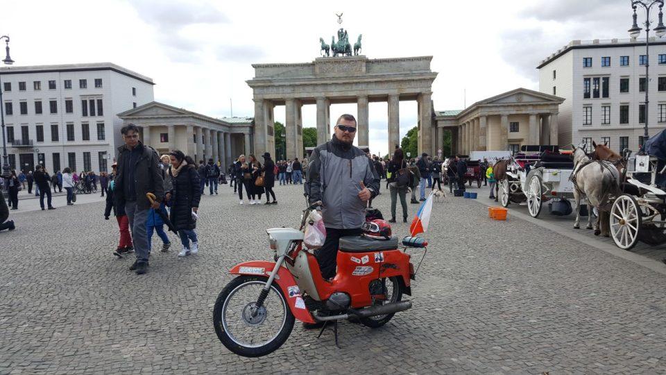 S Jawou na cestách - Braniborská brána v Berlíně