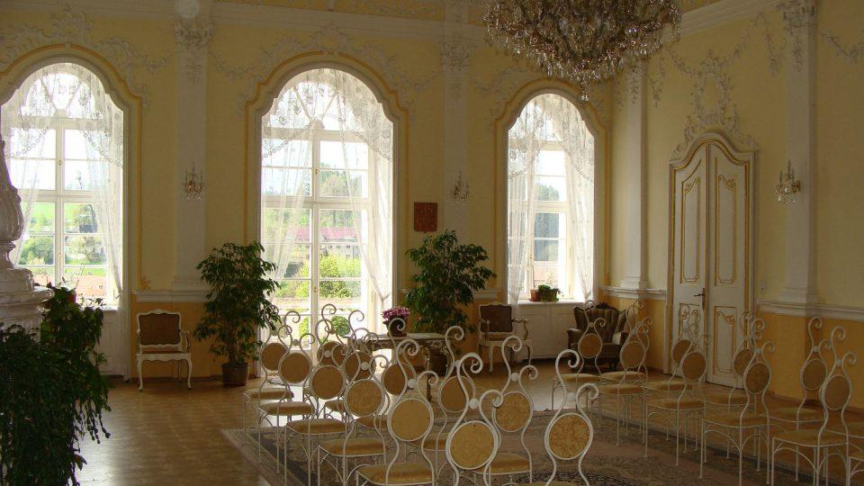 Rokokový sál zámku Nové Hrady