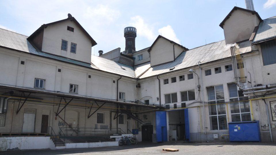 Původní budovy pivovaru, byly postaveny do tvaru písmene L
