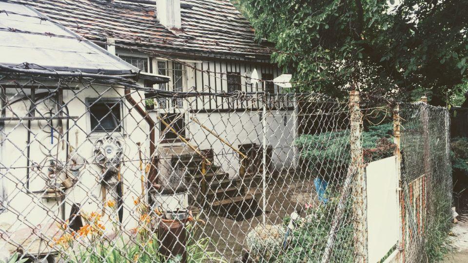 Roubenka vedle Botiče v Michli