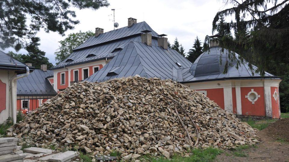 Karlštejn právě prochází velkou rekonstrukcí