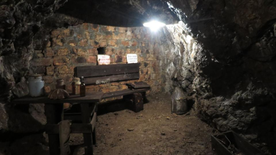 Místnost, kde se horníci schovávali před odstřelem