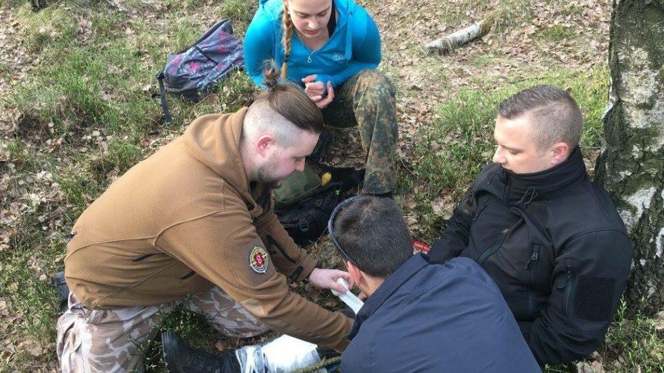 Dobrovolnická pátrací skupina trénuje zásah v terénu i fyzickou zdatnost