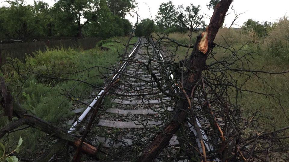 Pětiminutové tornádo vzalo lidem v Bohuslavicích desítky střech